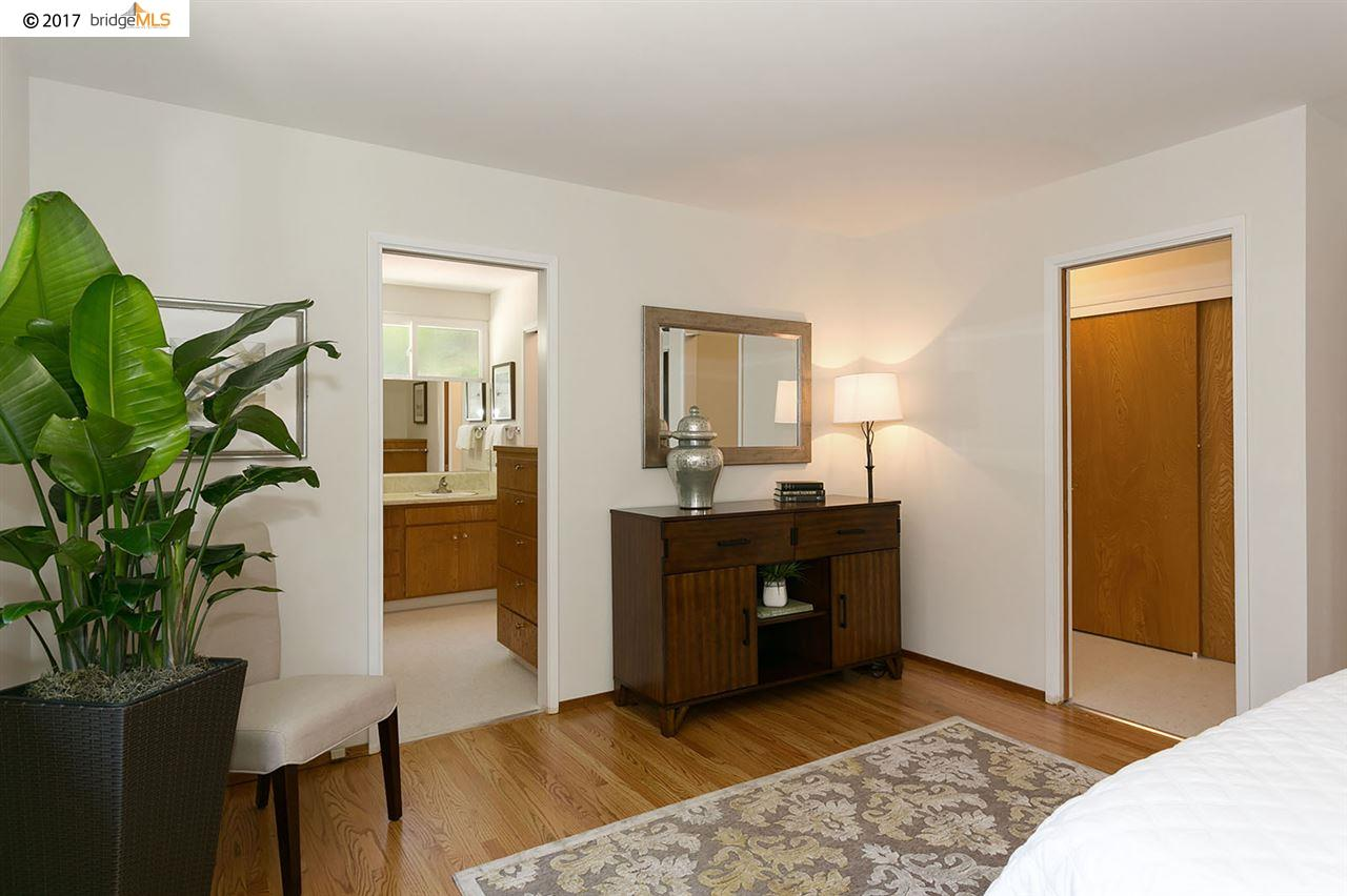 Additional photo for property listing at 2724 Las Aromas  Oakland, California 94611 United States