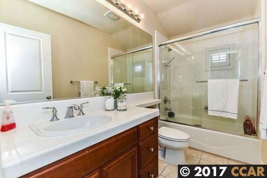 Additional photo for property listing at 2117 Creekview Place  Danville, California 94506 Estados Unidos