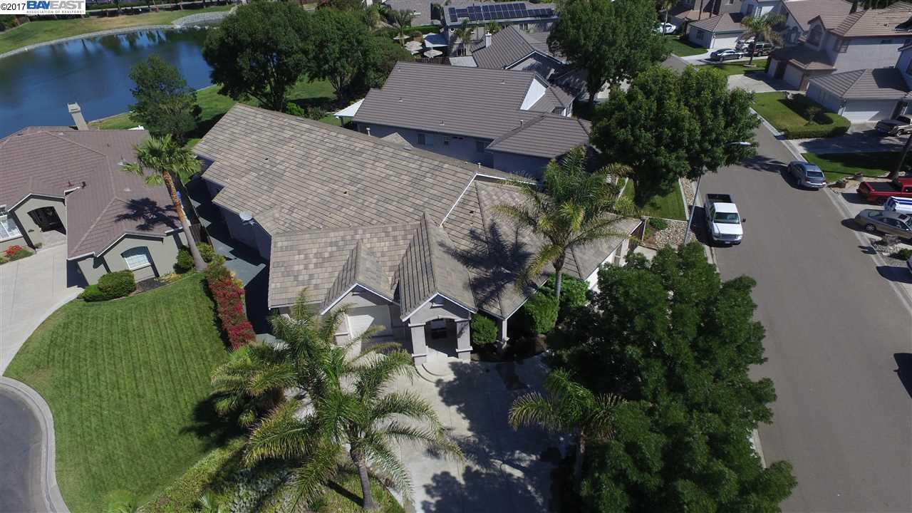 Casa Unifamiliar por un Venta en 5763 Prestwick Court 5763 Prestwick Court Discovery Bay, California 94505 Estados Unidos