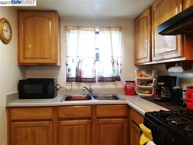 Additional photo for property listing at 3155 Cuthbert Avenue 3155 Cuthbert Avenue Oakland, Californie 94602 États-Unis