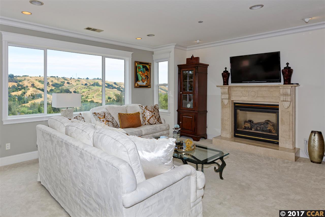 Additional photo for property listing at 11 Crestview Court  Orinda, Kalifornien 94563 Vereinigte Staaten