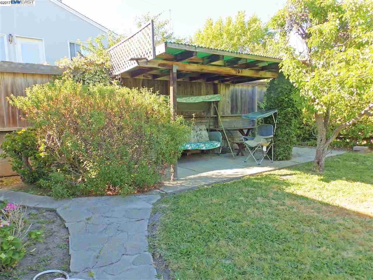 Additional photo for property listing at 384 Cypress Avenue  San Bruno, California 94066 United States
