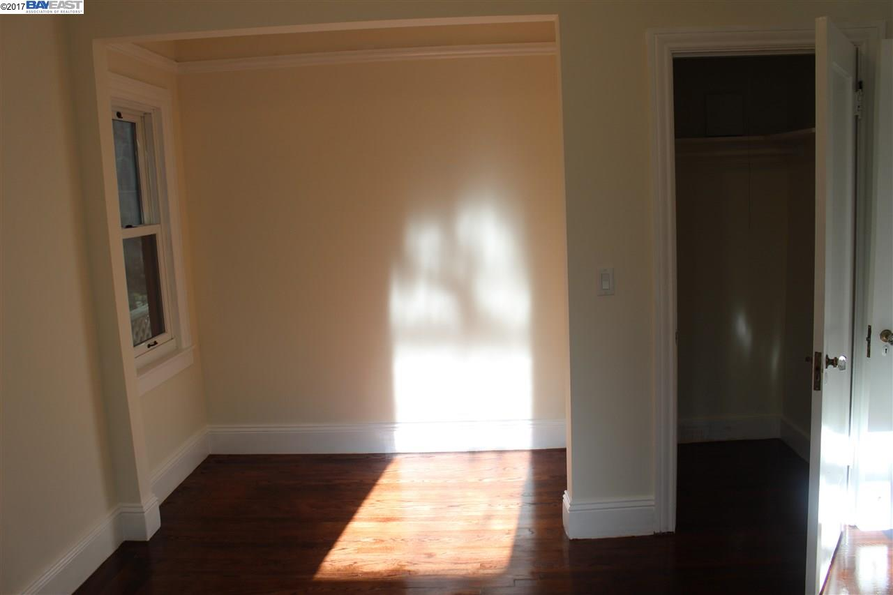 Additional photo for property listing at 529 Crofton Avenue  Oakland, California 94610 United States