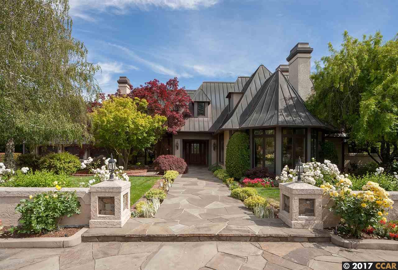 واحد منزل الأسرة للـ Sale في 10 Winding Lane 10 Winding Lane Orinda, California 94563 United States