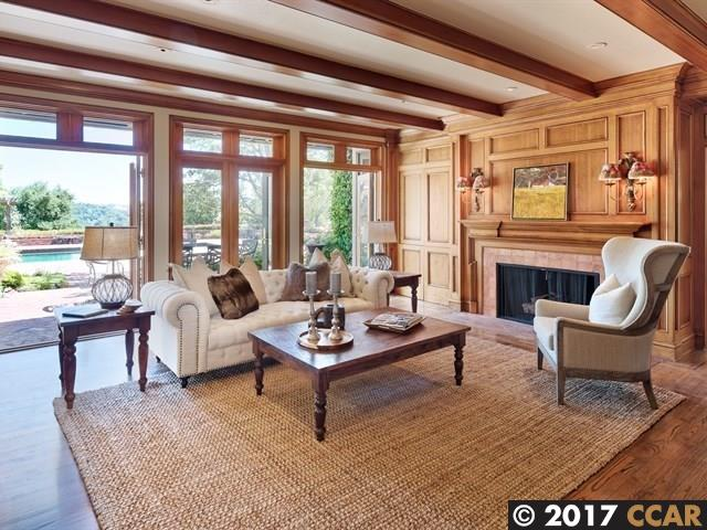 Additional photo for property listing at 10 Winding Lane  Orinda, California 94563 United States