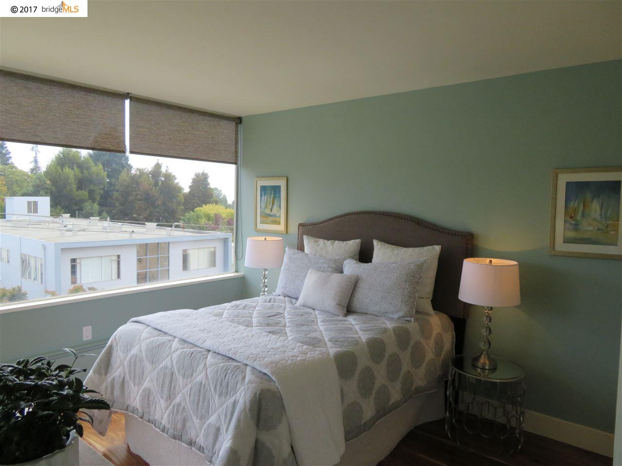 Additional photo for property listing at 2550 Dana Street  Berkeley, California 94704 United States