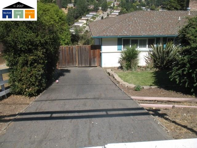 Additional photo for property listing at 10718 Fallbrook Way  Oakland, California 94605 Estados Unidos