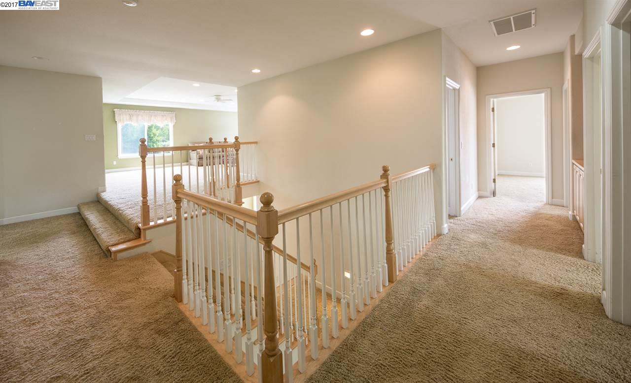 Additional photo for property listing at 284 Sullivan  Pleasanton, 加利福尼亞州 94566 美國