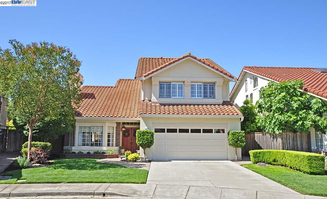 Single Family Home for Sale at 20971 Elbridge Court Castro Valley, California 94552 United States
