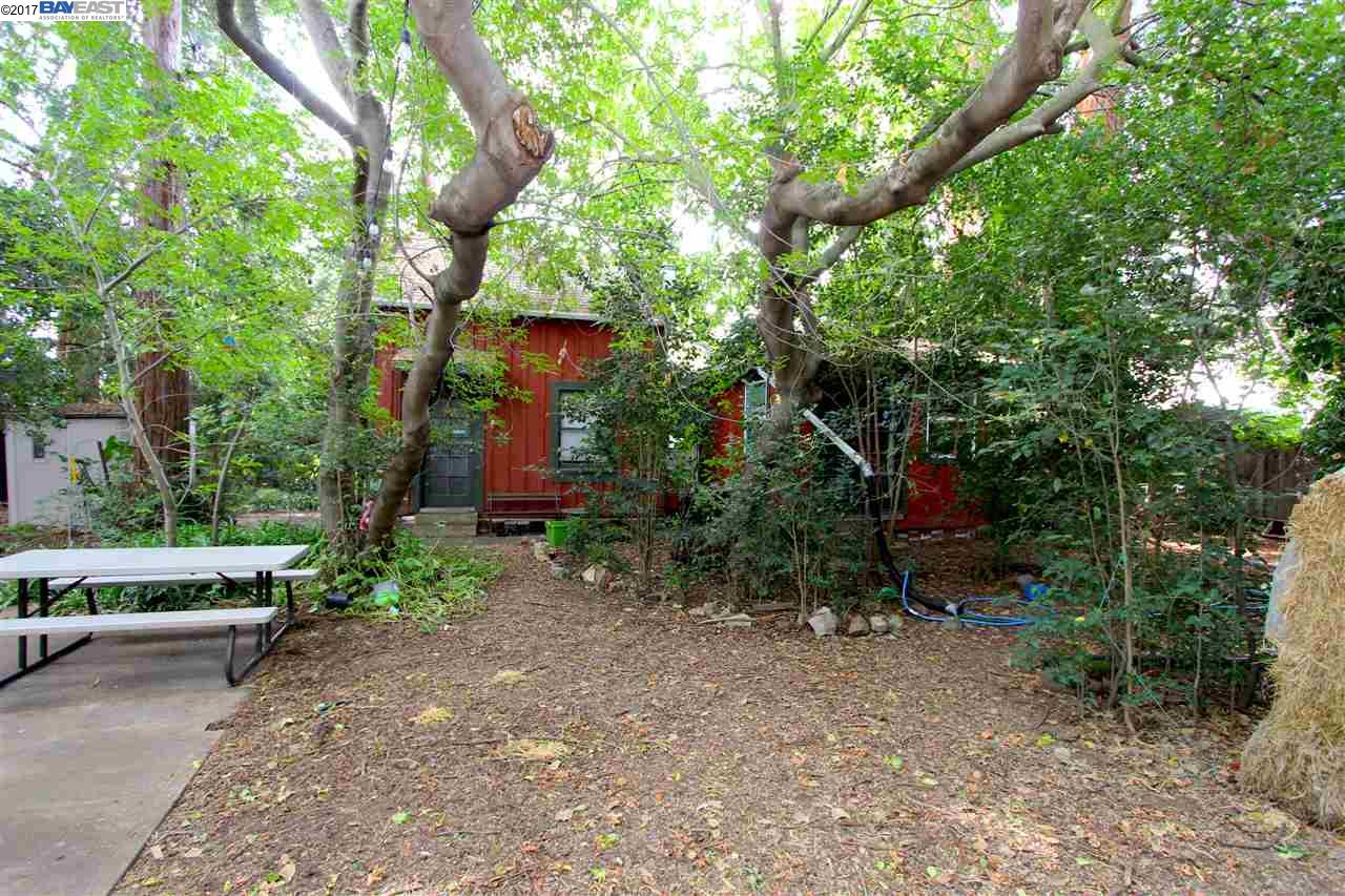 Additional photo for property listing at 651 Juana Avenue  San Leandro, Californie 94577 États-Unis