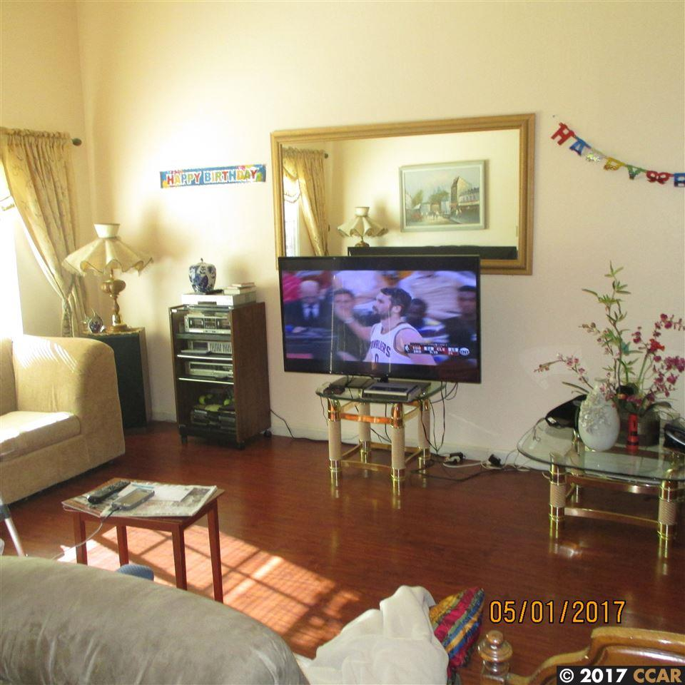 Additional photo for property listing at 33 PETAR  Clayton, Kalifornien 94517 Vereinigte Staaten