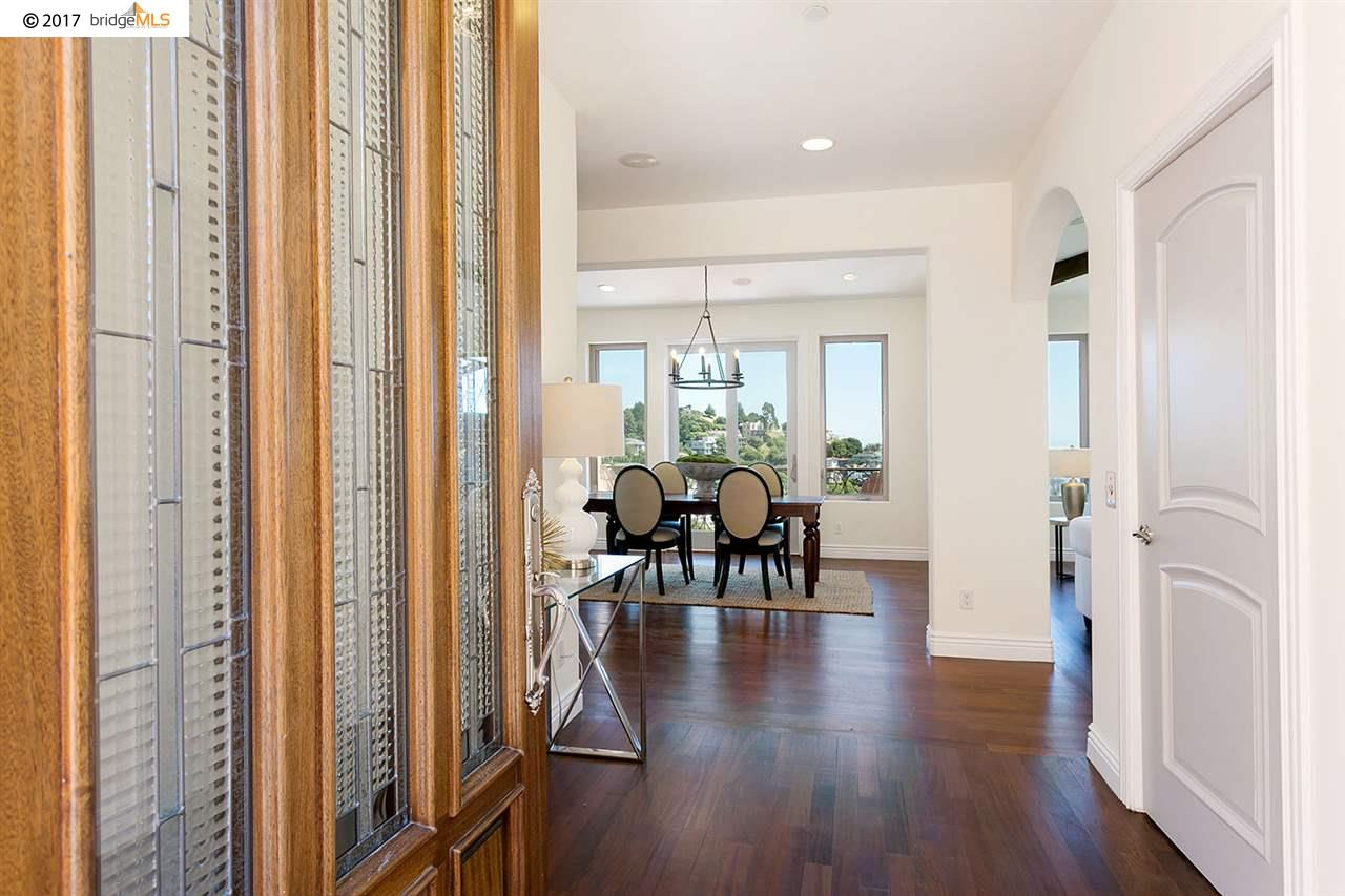 Additional photo for property listing at 530 Gravatt Drive  Berkeley, California 94705 United States