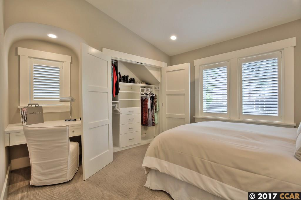 Additional photo for property listing at 21 Emery Lane  Oakland, California 94618 United States