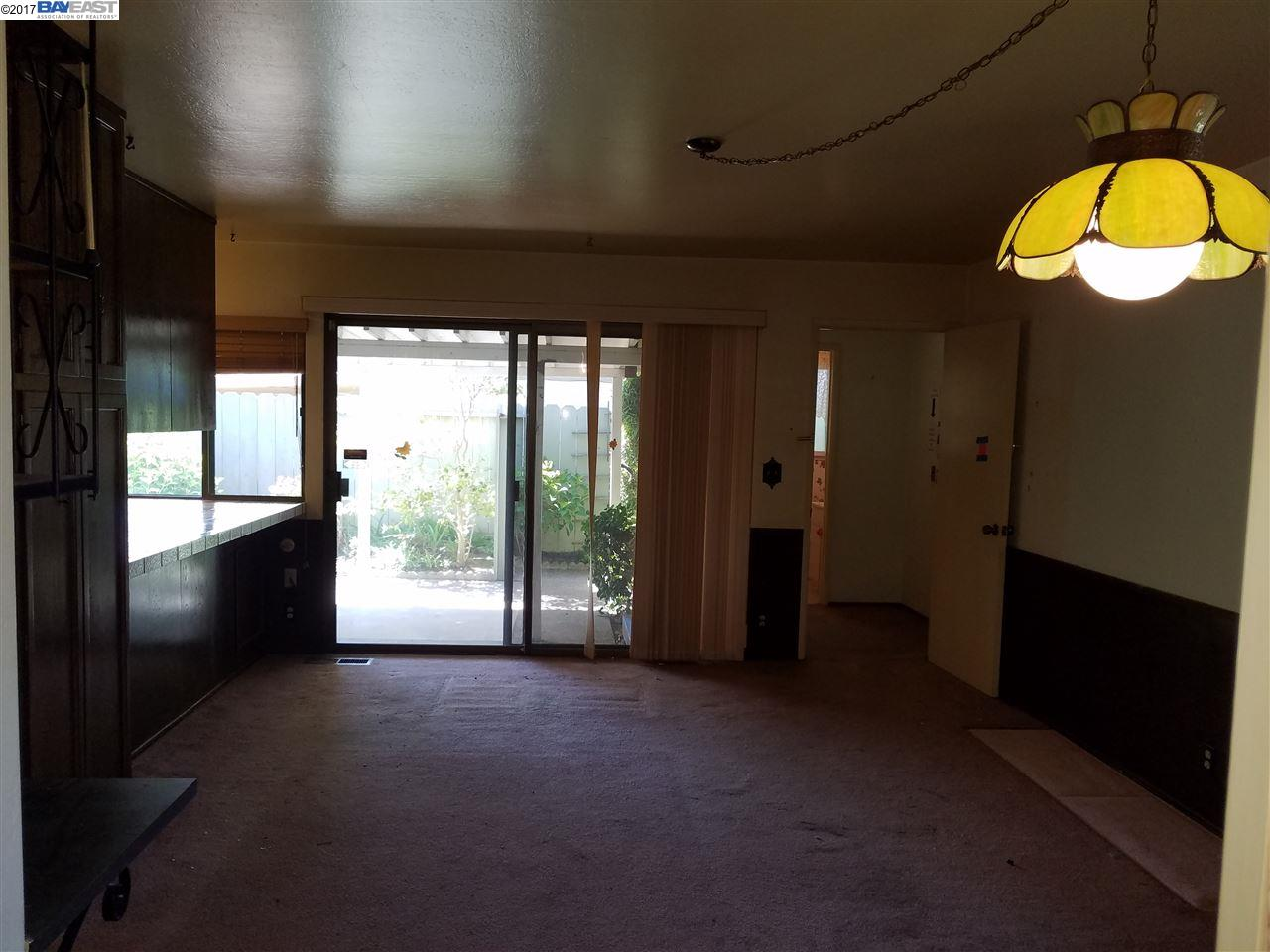 Additional photo for property listing at 27905 Edgecliff Way  Hayward, California 94542 United States
