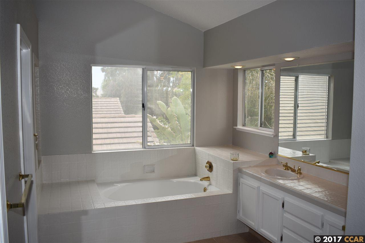 Additional photo for property listing at 2426 Bodega Court  Discovery Bay, Kalifornien 94505 Vereinigte Staaten