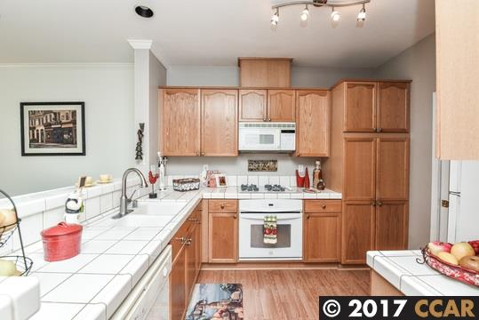 Additional photo for property listing at 801 Condor Place  Clayton, Калифорния 94517 Соединенные Штаты