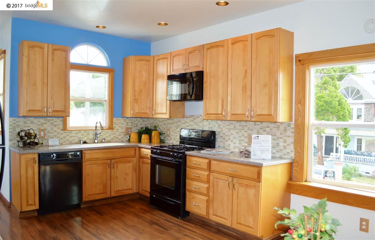Additional photo for property listing at 4552 San Carlos Avenue  Oakland, Californie 94601 États-Unis