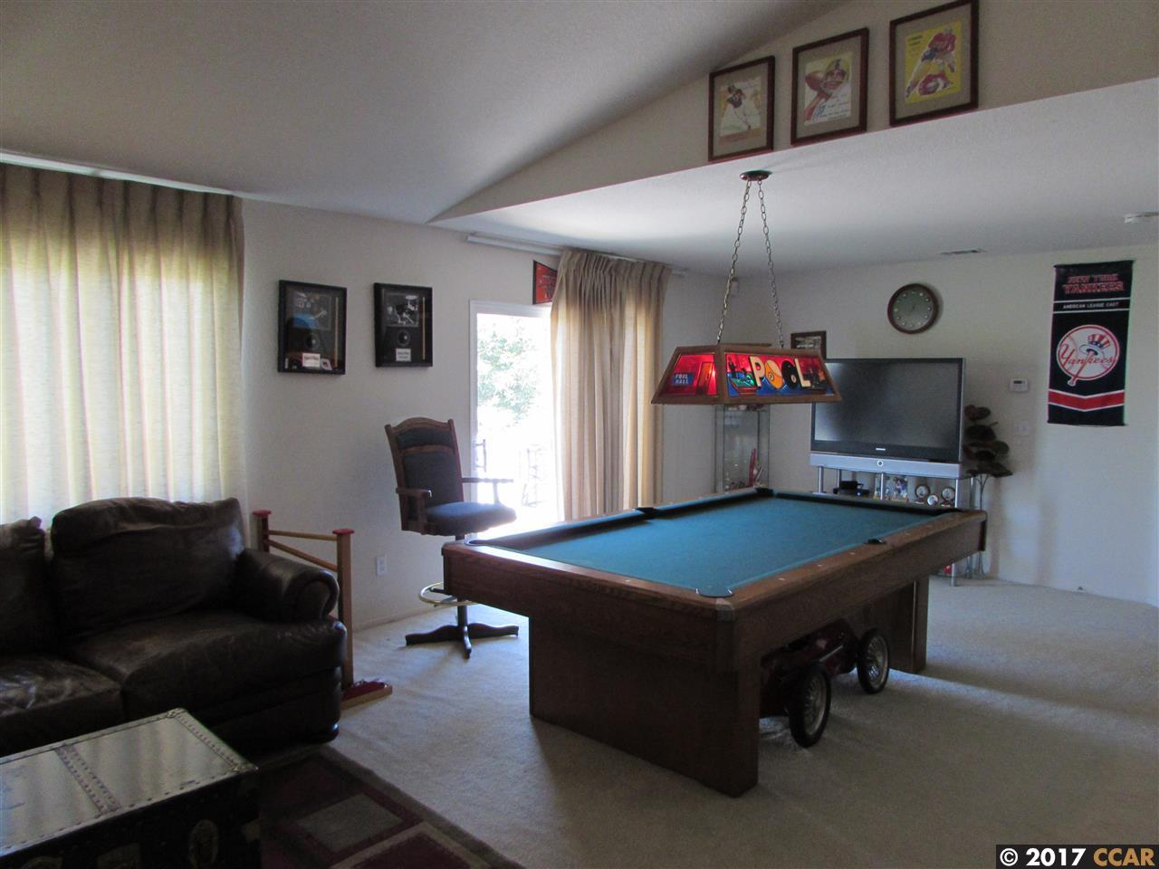Additional photo for property listing at 2380 Woodhill  Pittsburg, Калифорния 94565 Соединенные Штаты