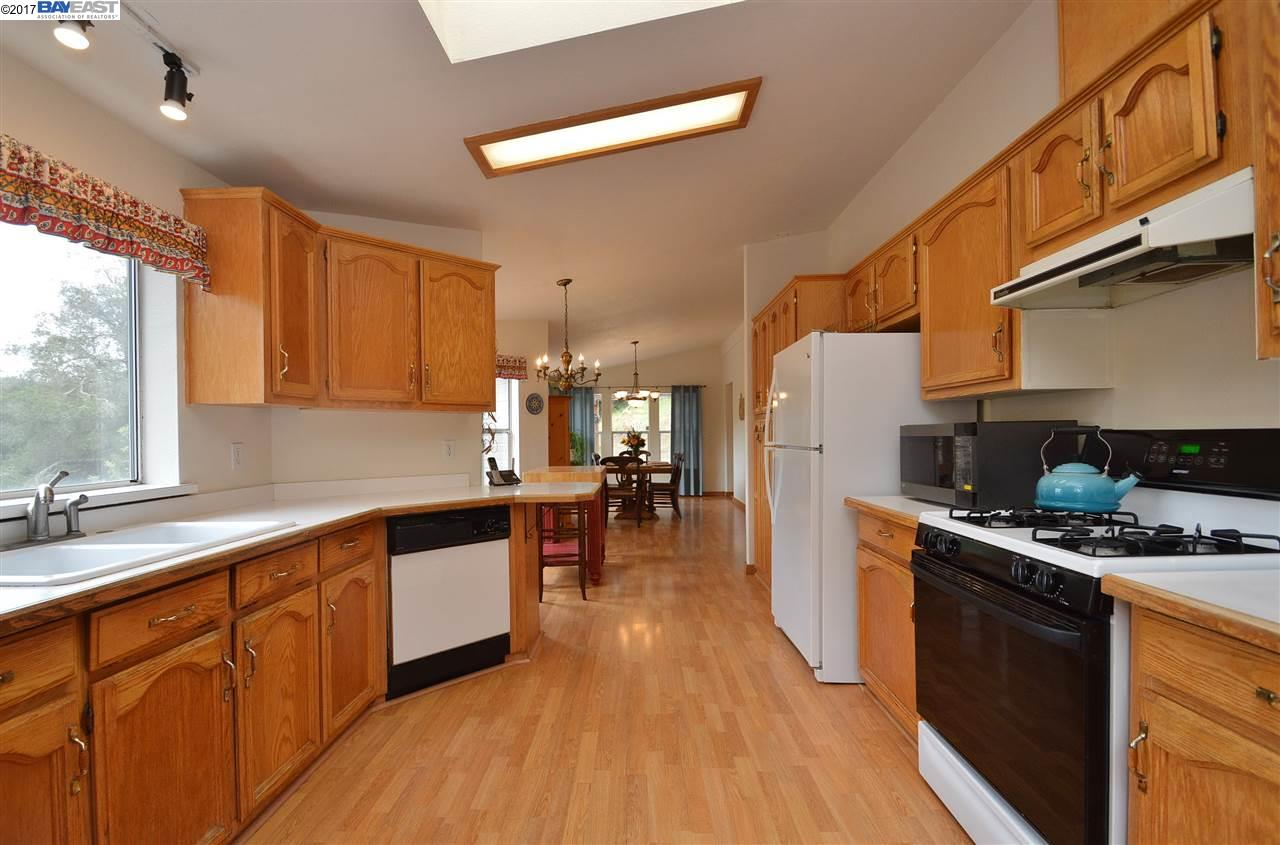 Additional photo for property listing at 33803 Palomares Road 33803 Palomares Road Castro Valley, Калифорния 94552 Соединенные Штаты
