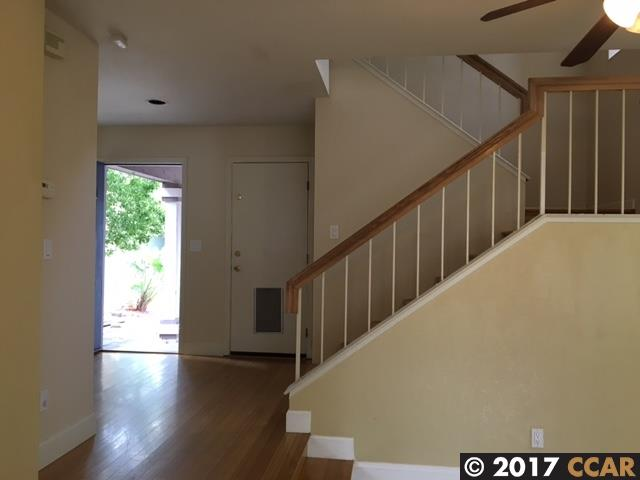 Additional photo for property listing at 528 Dohrmann Lane  Pinole, カリフォルニア 94564 アメリカ合衆国