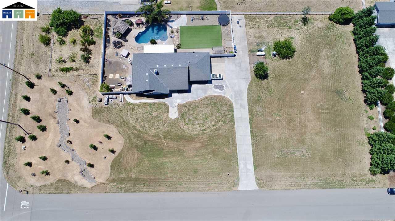 獨棟家庭住宅 為 出售 在 10790 Esada Court Galt, 加利福尼亞州 95632 美國