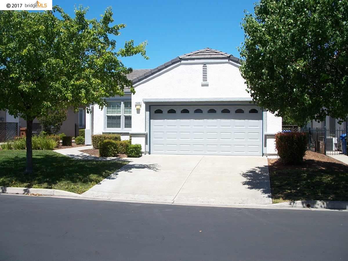 Casa Unifamiliar por un Alquiler en 1903 Cellini Ter Brentwood, California 94513 Estados Unidos