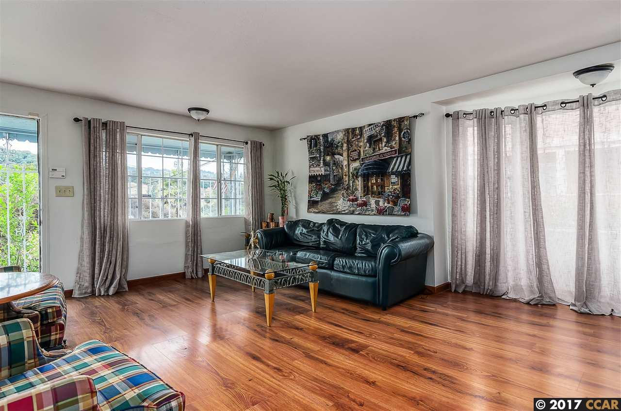 Additional photo for property listing at 7941 Winthrope Street 7941 Winthrope Street Oakland, California 94605 United States