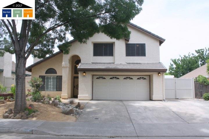 獨棟家庭住宅 為 出售 在 625 Berlin Way Patterson, 加利福尼亞州 95363 美國