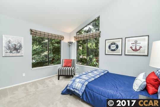 Additional photo for property listing at 633 Michael Lane 633 Michael Lane Lafayette, Калифорния 94549 Соединенные Штаты