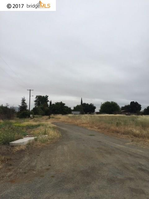 Additional photo for property listing at CHESTNUT CHESTNUT Brentwood, California 94513 United States