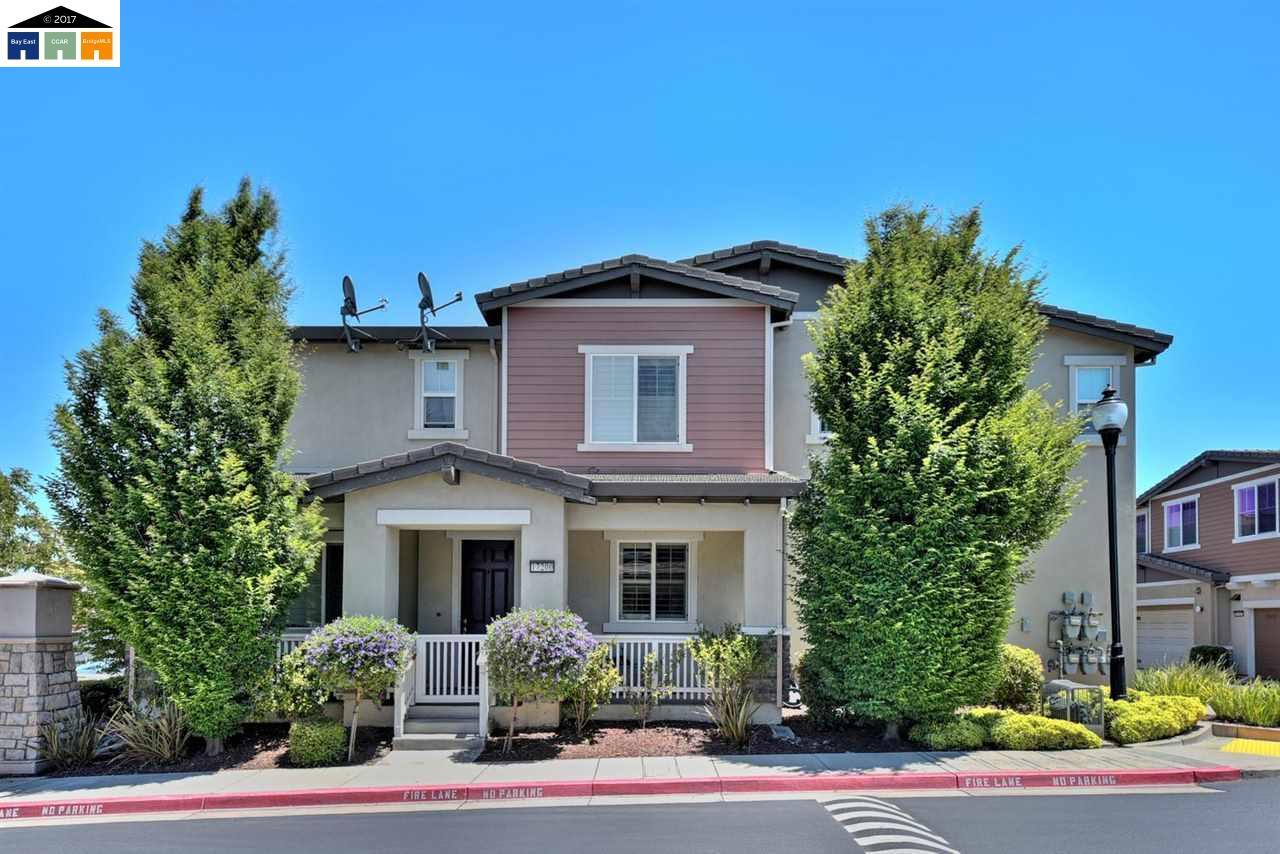 Stadthaus für Verkauf beim 17200 Crier Lane San Lorenzo, Kalifornien 94580 Vereinigte Staaten