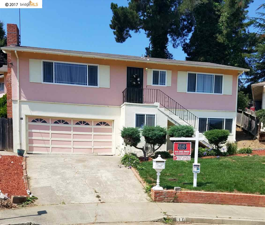 واحد منزل الأسرة للـ Sale في 11 CAMISA Circle Oakland, California 94605 United States