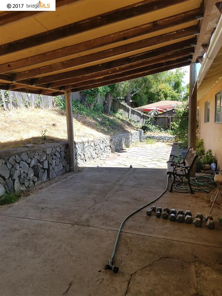 Additional photo for property listing at 11 CAMISA Circle  Oakland, Kalifornien 94605 Vereinigte Staaten