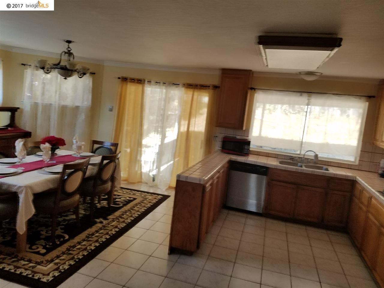 Additional photo for property listing at 11 CAMISA Circle  Oakland, California 94605 United States