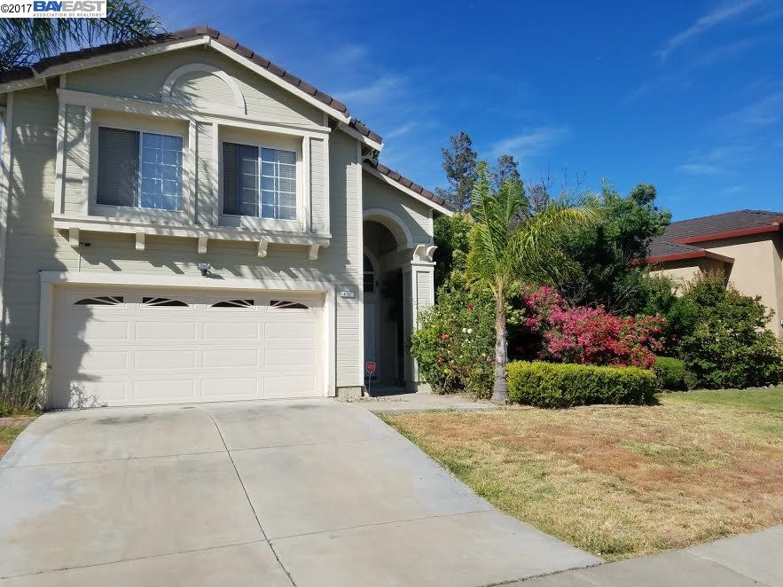 واحد منزل الأسرة للـ Sale في 4721 Country Hills Drive Antioch, California 94531 United States