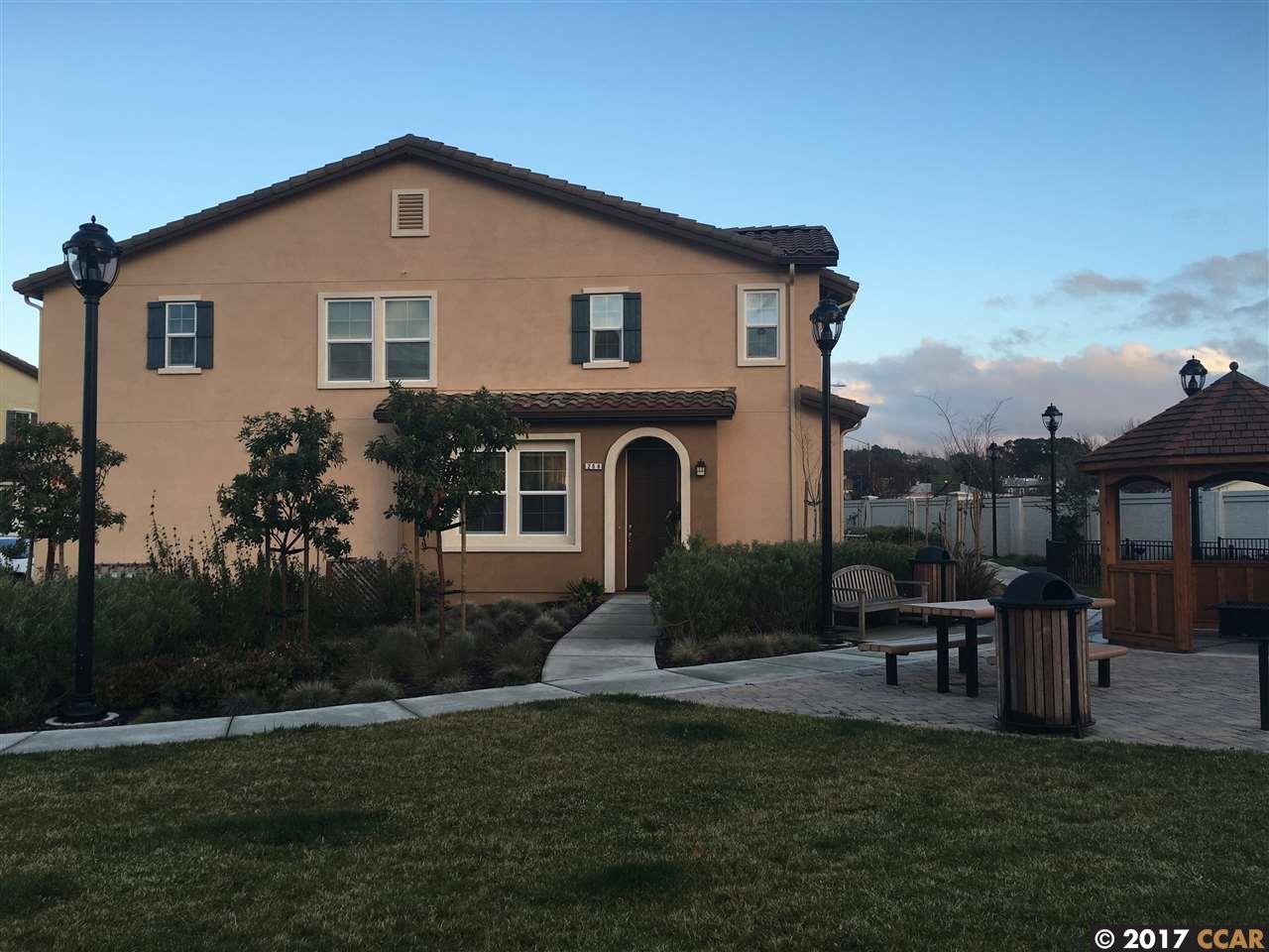 Casa unifamiliar adosada (Townhouse) por un Venta en 208 Purisima Street San Pablo, California 94806 Estados Unidos