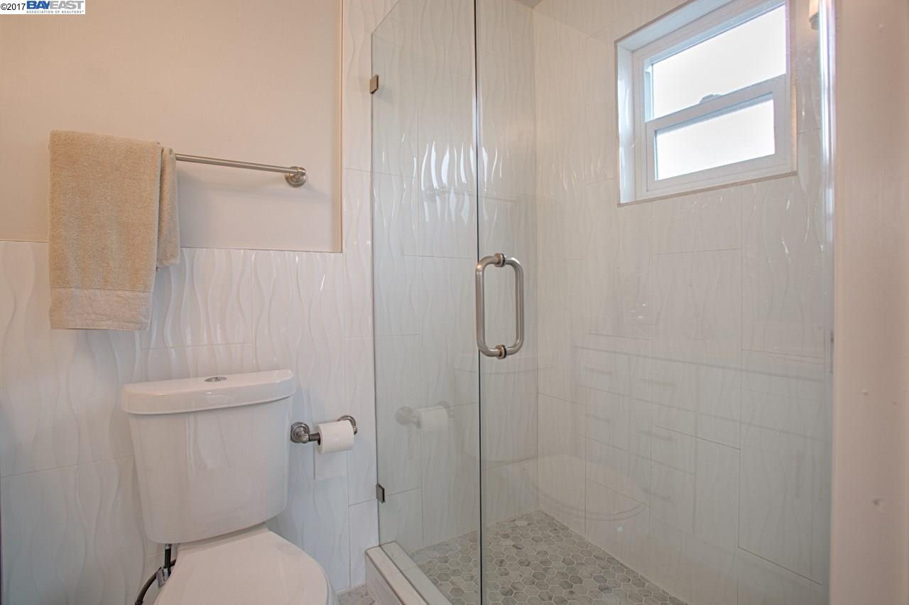 Additional photo for property listing at 722 Ventura Street  Richmond, Калифорния 94805 Соединенные Штаты