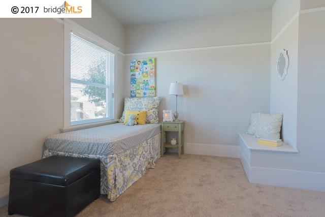 Additional photo for property listing at 3002 West Street  Oakland, Californie 94608 États-Unis