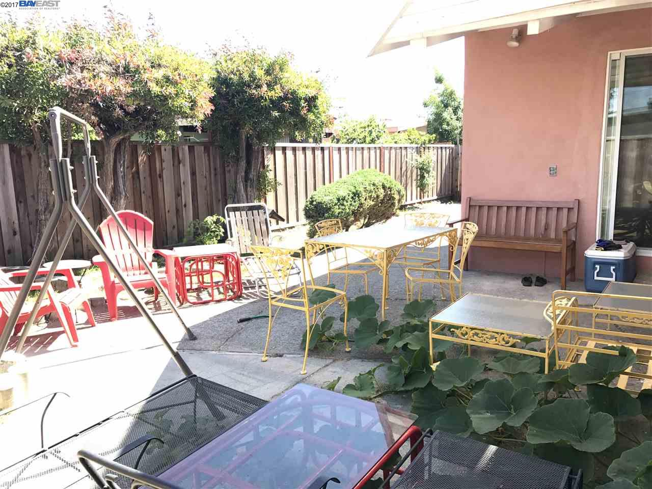 Additional photo for property listing at 522 Lagunitas Lane  Hayward, California 94544 United States