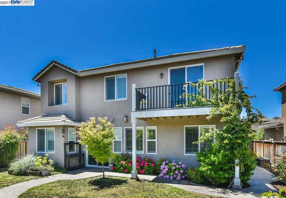 Частный односемейный дом для того Продажа на 7219 Seaglass Drive Vallejo, Калифорния 94591 Соединенные Штаты