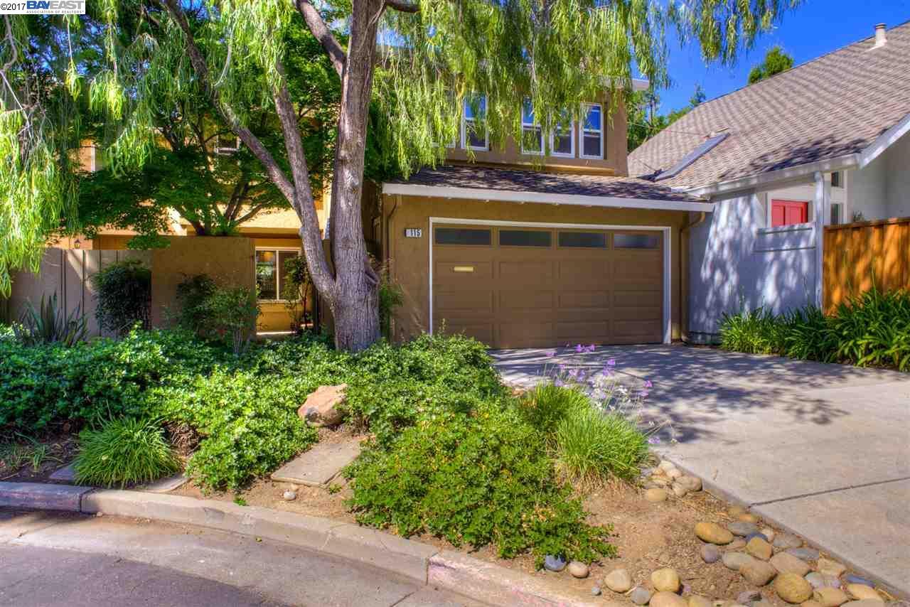 タウンハウス のために 売買 アット 115 Cherry Wood Court Los Gatos, カリフォルニア 95032 アメリカ合衆国
