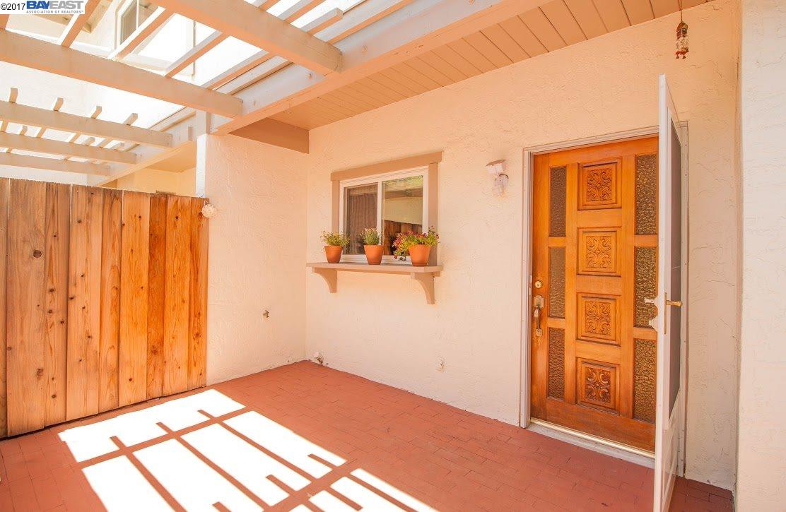 Townhouse for Sale at 10375 Mary Avenue Cupertino, California 95014 United States