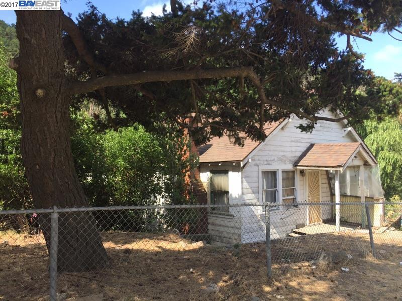 Single Family Home for Sale at 5957 E Castro Valley Blvd 5957 E Castro Valley Blvd Castro Valley, California 94552 United States