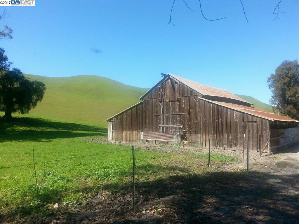 Land for Sale at Collier Canyon Road Collier Canyon Road Livermore, California 94550 United States