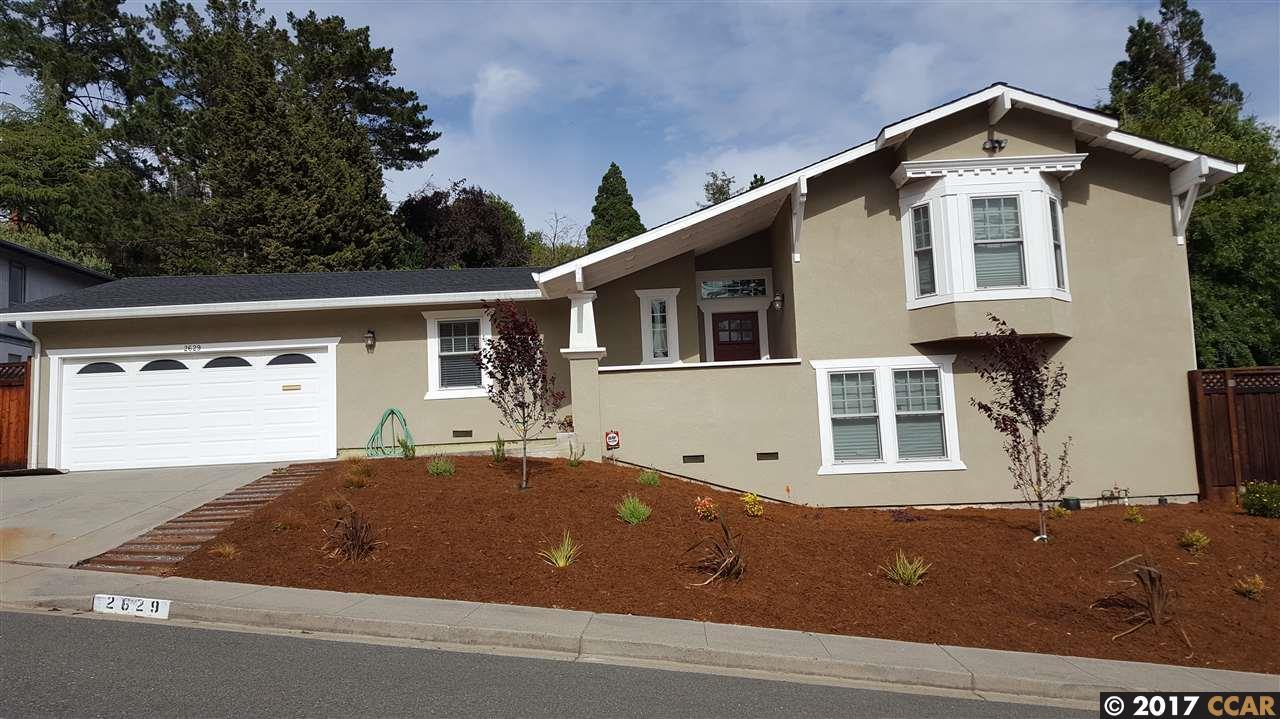 獨棟家庭住宅 為 出售 在 2629 Moraga Drive Pinole, 加利福尼亞州 94564 美國