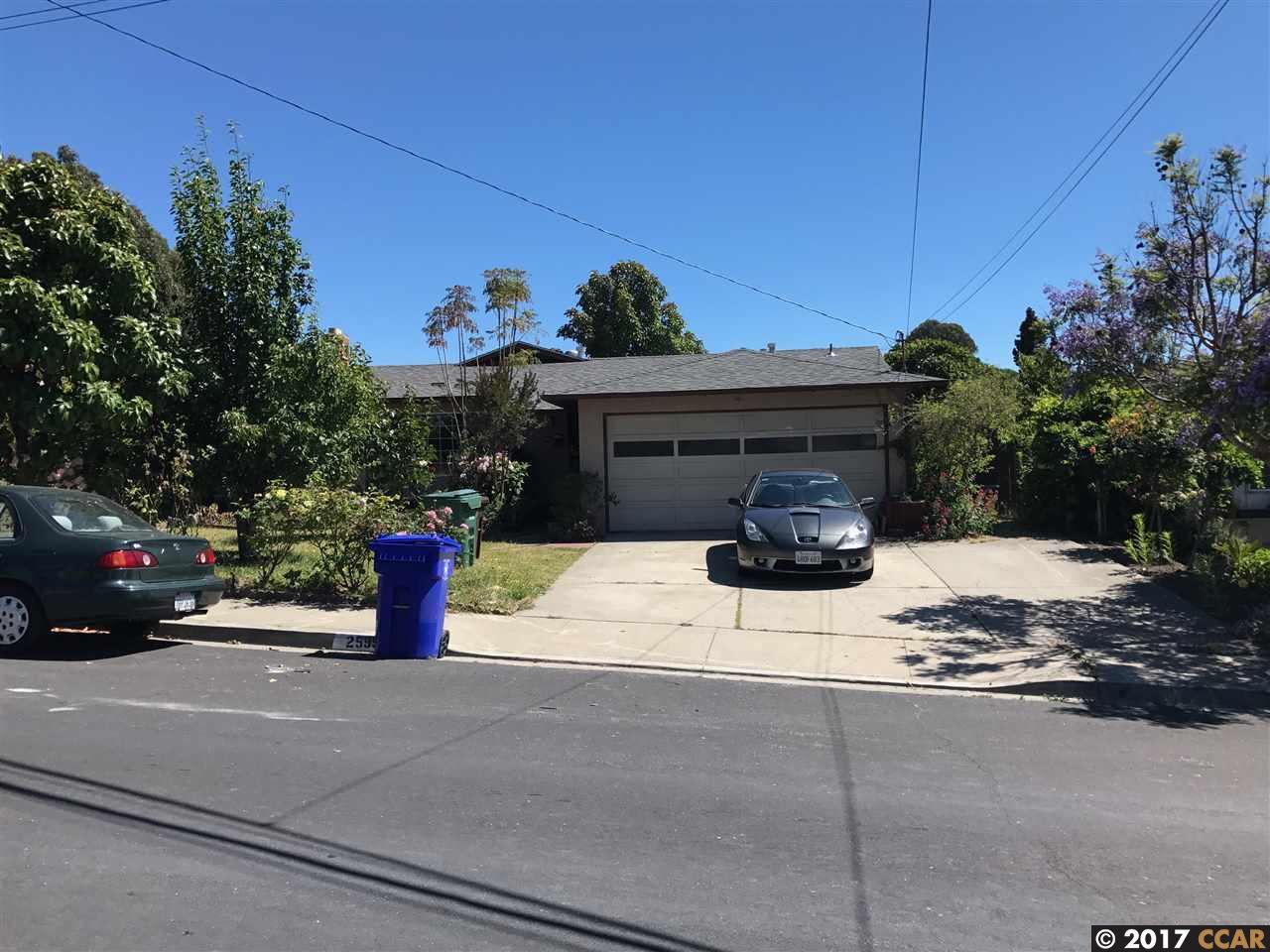 Casa Unifamiliar por un Venta en 2599 Shamrock Drive San Pablo, California 94806 Estados Unidos