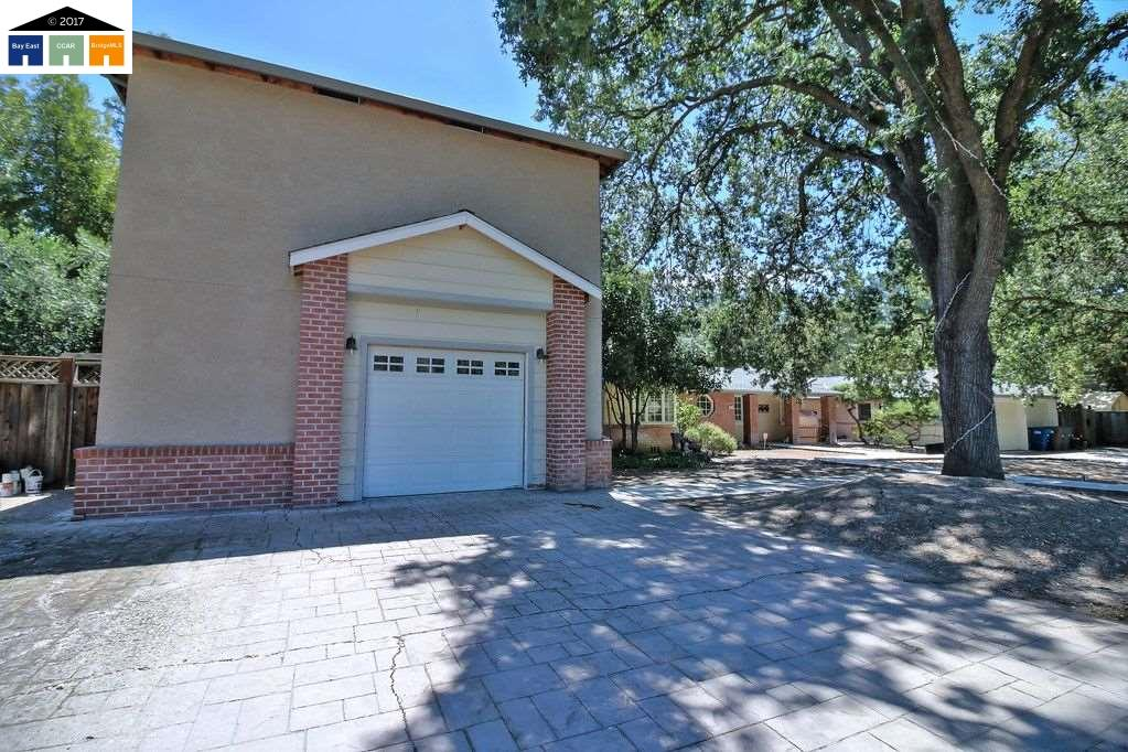 Single Family Home for Sale at 1009 Ridge Park Drive Concord, California 94518 United States