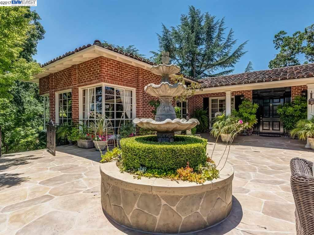 Single Family Home for Sale at 230 Lark Lane Alamo, California 94507 United States