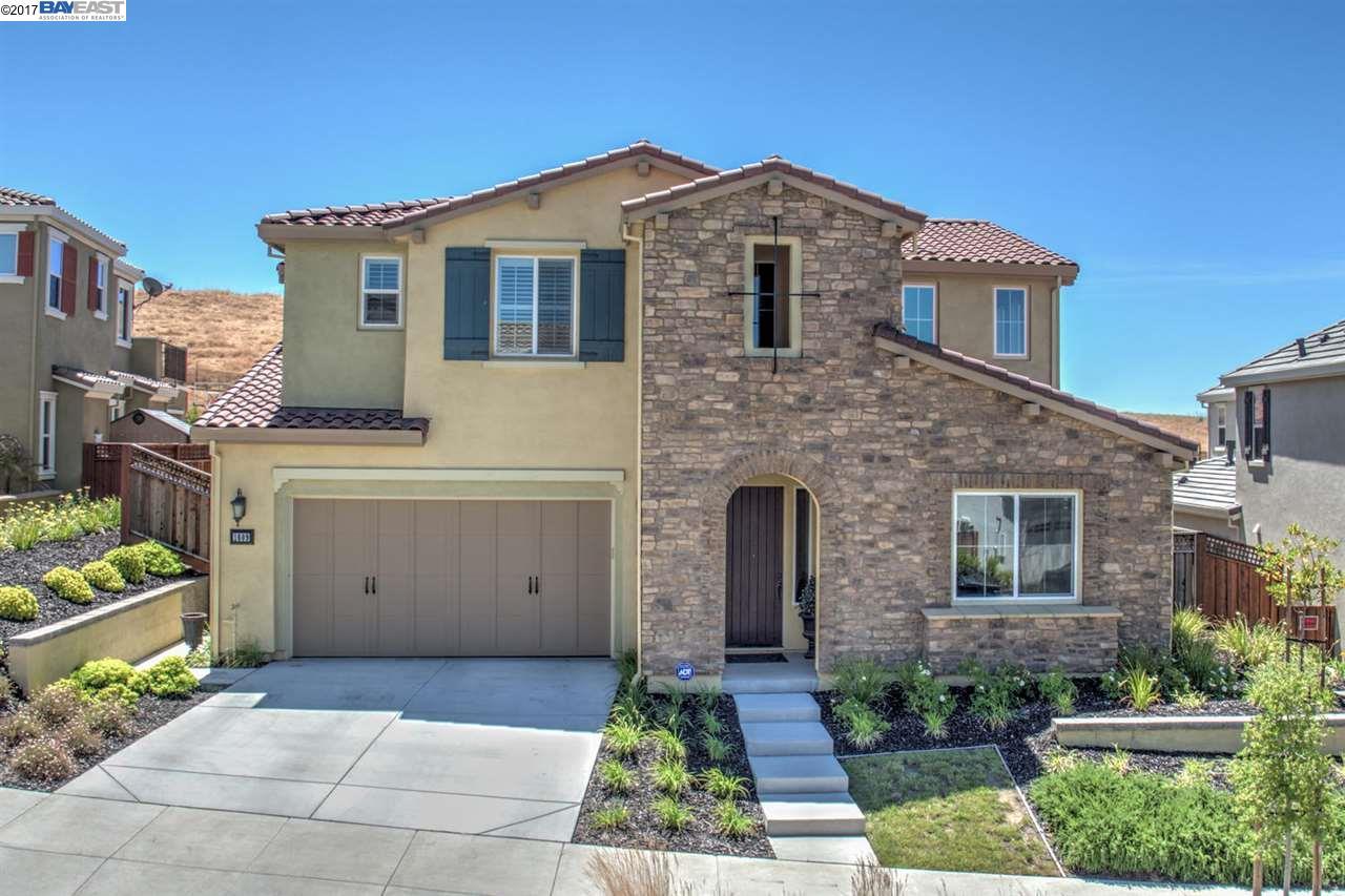 Maison unifamiliale pour l Vente à 1609 N Terracina Drive Dublin, Californie 94568 États-Unis