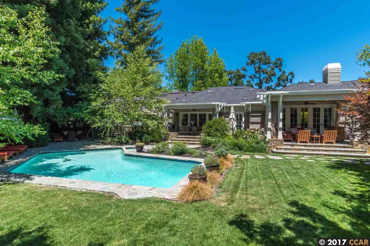 واحد منزل الأسرة للـ Sale في 1815 Alameda Diablo Diablo, California 94528 United States
